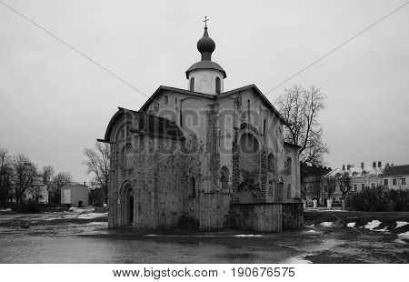 Church paraskevy Friday at the auction Veliky Novgorod Ancient Russian architecture