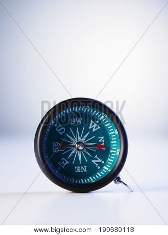 A simple direction compass