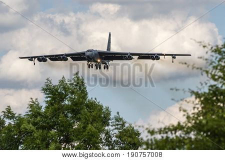 Usaf B52 Landing At Raf Fairford