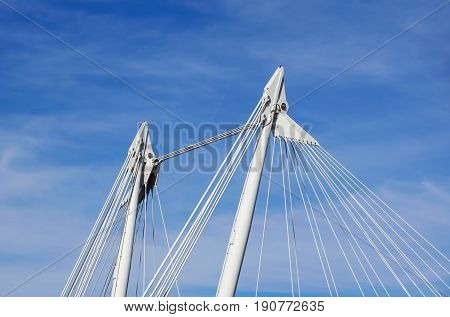 Cable stayed bridge . Supporting metal structure for safety