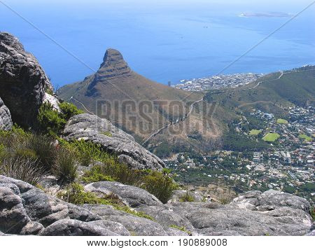 VIEW OF LIONS HEAD FROM TABLE MOUNTAIN, CAPE TOWN SOUTH AFRICA 24lokjy