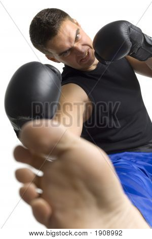 Fighter'S Kick