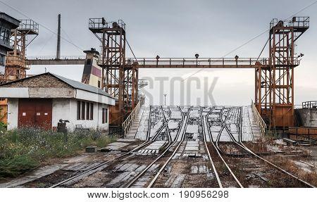Open Railway Ramp For Industrial Ro-ro Ships