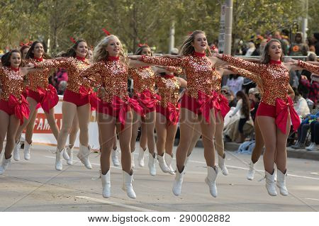 Houston, Texas, USA - November 23, 2017, The H-E-B Thanksgiving Day Parade in Houston began in 1949, when Santa arrived at Union Station and rode his sleigh to the downtown Foley's. A holiday tradition showcasing the Houston community on Thanksgiving morn