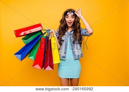 Close Up Photo Beautiful Her She Lady Yell Scream Shout New Staff Shopping Spree Excited Big Choice
