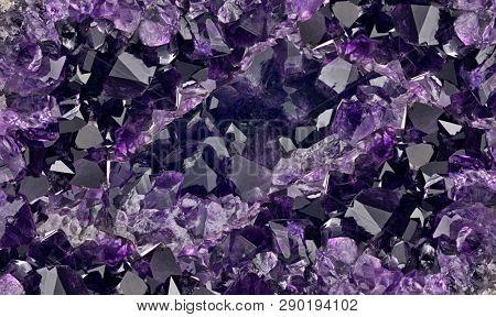 macro photo of lilac amethyst druse