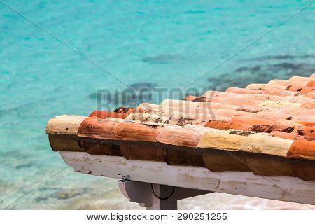 Roof detail with clean ocean water