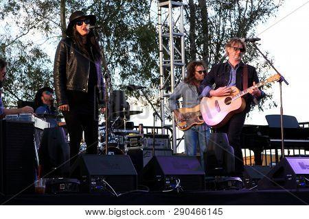LOS ANGELES - NOV 5: Vavine Tahapehi, Matt Ellis during the Matt Ellis pre show at the LeAnn Rimes concert at Galway Downs on November 5, 2017 in Temecula, California