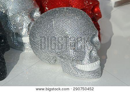 Cubic Zirconia Crystal Gemstone Skull Shape Luxury Decor