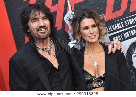 LOS ANGELES - MAR 18:  Tommy Lee and Brittany Furlan arrives for the Netflix 'The Dirt' Premiere on March 18, 2019 in Hollywood, CA