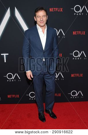 LOS ANGELES - MAR 19:  Jason Isaacs arrives for the Netflix