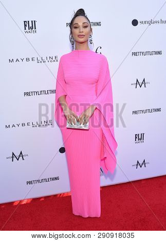 LOS ANGELES - MAR 17:  Cara Santana arrives for the The Daily Front Row 5th Annual Fashion LA Awards on March 17, 2019 in Beverly Hills, CA