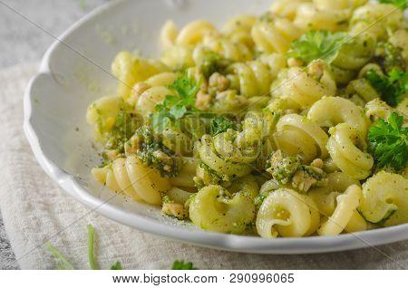 Fresh Semolina Pasta With Pesto