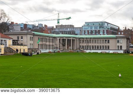 Dublin, Ireland -10 November 2015: Trinity College Officially The College Of The Holy And Undivided