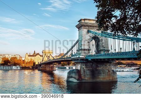 Chain Bridge In Budapest Also Known As Szechenyi Lanchid Connecting The Buda And Pest - The Main Hun
