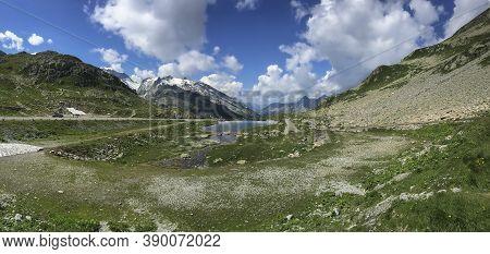 Sustenpass, Switzerland -october 29, 2016: The Susten Pass (2224 M High) Connects The Canton Of Uri