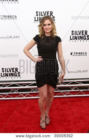 NEW YORK-NOV 12: Actress Julia Stiles attends the premiere of