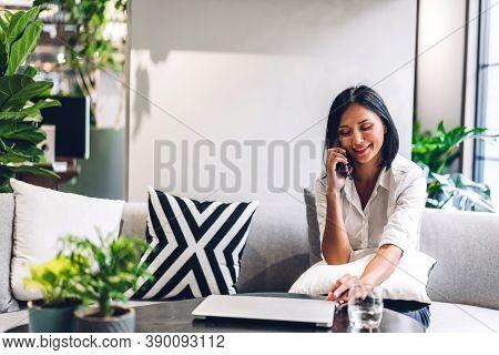 Smiling Happy Beautiful Balck Business Woman Wearing White Shirt Relaxing Using Smartphone.young Hip