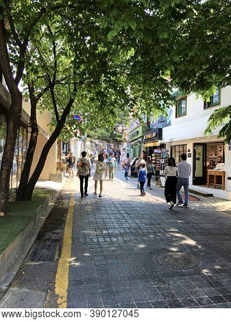 Seoul, South Korea - April 30, 2017: Bukchon Hanok Village - Korean Traditional Village.  Is A Histo