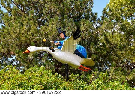 Aberdeen, South Dakota, August 7, 2020: The Flying Mother Goose Is Displayed At The Land Of Oz(story