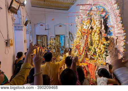 Kolkata, West Bengal, India - 6th October 2019 : Flowers Are Thrown, Prayers And Pushpanjali Being O