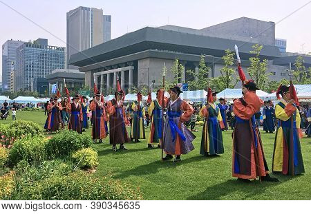 Seoul, South Korea - April 30, Men In National Korean Warrior Costumes Line Up For A Procession To C