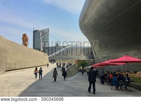 Seoul, South Korea - May 2, 2017: Dongdaemun Design Plaza (ddp) Cultural And Entertainment Complex.