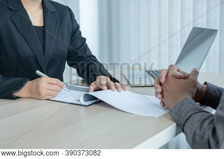 Business People Hold A Resume And Talk To Job Applicants For Job Interviews About Careers And Her Pe