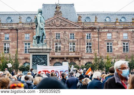 Strasbourg, France - Oct19, 2020: Large Crowd Of People Place Kleber To Pay Tribute To History Teach
