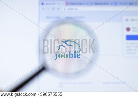 New York, Usa - 29 September 2020: Jooble Jooble.org Company Website With Logo Close Up, Illustrativ