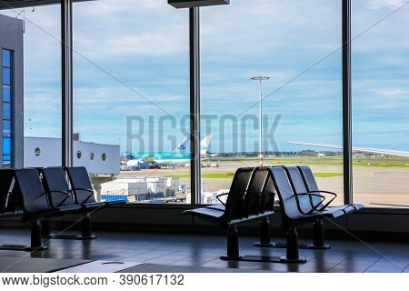 Amsterdam, Netherlands, 30/09/20. Amsterdam Airport Schiphol (ams) Terminal With Empty Seats And No