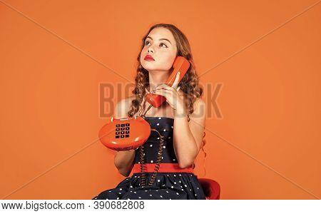 Discuss Gossip. Retro Communications. Little Talker. Retro Style. Communication Concept. Shopping On