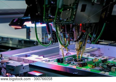Automation Machine Equipment For Quality Testing Of Printed Circuit Boards - Flying Probe Test At Fa