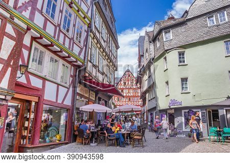 Limburg An Der Lahn, Germany - August 02, 2019: People Sitting Outside A Cafe In Limburg An Der Lahn