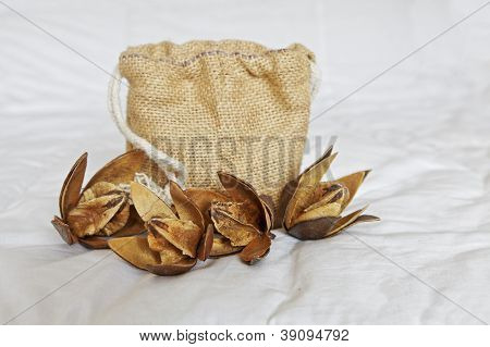 Hessian Holdall And Cotton Squares