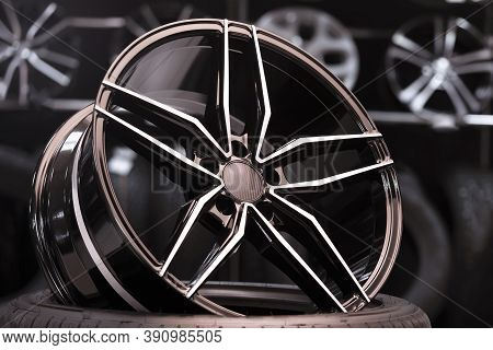 New Alcoa Alloy Forged Wheels In The Car Shop. Sales Of Tires And Wheels, Automotive Products. Thin
