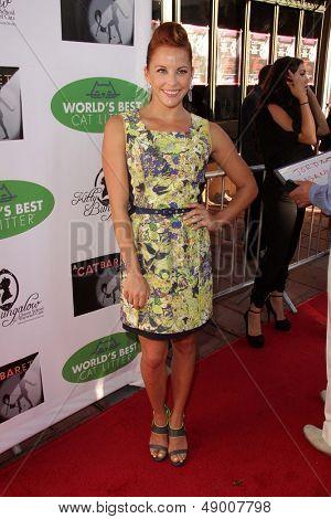 LOS ANGELES - AUG 4:  Amy Paffrath arrives at L.A.'s Feline Rescue Center's