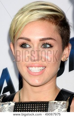 LOS ANGELES - AUG 8:  Miley Cyrus arrives at the