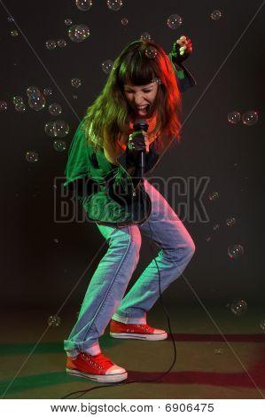 Mujer gritando de Mike