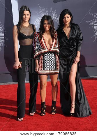 LOS ANGELES - AUG 24:  Kendall Jenner, Kim Kardashian & Kylie Jenner arrives to the 2014 Mtv Vidoe Music Awards on August 24, 2014 in Los Angeles, CA