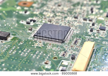 Chip On Motherboard