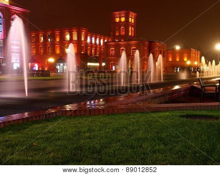 Fountains in Manufaktura.