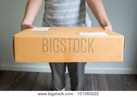 Woman Is Sending A Box
