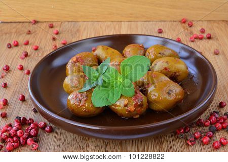 Peppery Green Olives