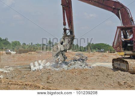 Concrete Crusher Machine