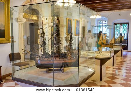 Kotor, Montenegro - September 10, 2015: Maritime Museum Of Montenegro. Visitors Looking At The Expon
