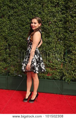 LOS ANGELES - SEP 12:  Mae Whitman at the Primetime Creative Emmy Awards Arrivals at the Microsoft Theater on September 12, 2015 in Los Angeles, CA