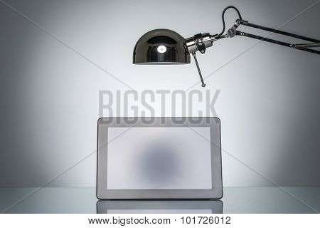 Lighting Up Tablet Touchpad Note With Desk Lamp