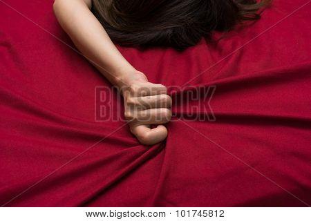 Hand Grasp Bed Sheet
