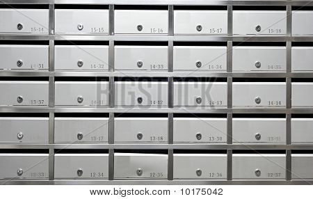 metallic mailbox array tidy